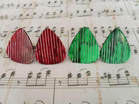 Pearlized,GUITAR,PICK,CUFFLINKS,/,Red,or,Green,Gift,for,Him,Musician,Unique,Upcycled,Cuff,Links,Rock,Star,Weddings,Jewelry,Cufflinks,Silver,Groomsmen_Gift,Gifts_For_Him,Musician_Gift,Unique_Gift,Guitar_Pick,Rock_Star_Gift,Canteam,musician_cuff_links,cool_cufflinks