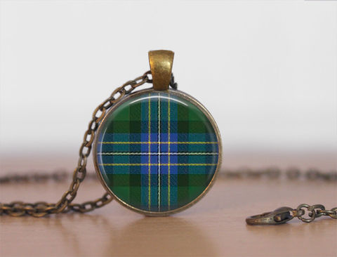 HUGHES,TARTAN,Pendant,Necklace,/,Scottish,Tartan,Jewelry,Ancestral,Jewellery,Hughes,Clan,Family,Personalized,Gift,boxed,Unique_Gift,gift_boxed,scottish_tartans,tartan_jewelry,ancestral_jeweley,family_jewellery,tartan_pendant,tartan_necklace,Scottish_jewelry,personalized_gift,made_in_Canada,Hughes_tartan,Hughes_clan