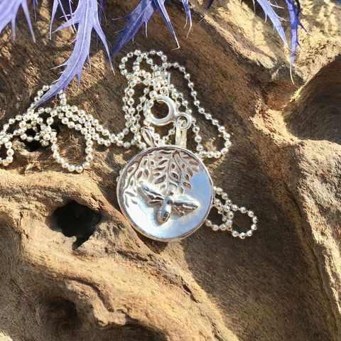 Honey,bee,and,Wisteria,silverbees-silverhoneybees-silverwisteria-handmade-handcrafted-handmadeinscotland-artisan-designer