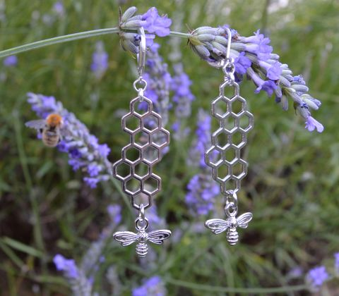 Bee,earrings,-,geometric,honeycomb,jewelry,with,dainty,silver,bee,pendants,honeybee,bees,bee_earrings,bee_jewelry,honeybee_earrings,silver_bee_earrings,honeybee_jewelry,honeycomb_earrings,geometric_jewelry,geometric_earrings,honeycomb_jewelry,bee_dangle_earrings,woodland_earrings,minimalist_jewelry,woodlan