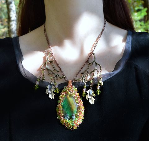 Elven,Oak,Leaf,Necklace,-,Wire,Wrapped,Pendant,in,Copper,and,Swarovski,Crystals,Green,Witch,Jewelry,Fairy,Queen,leaf_necklace,wire_wrap,wire_wrap_pendant,wire_wrap_necklace,elven_pendant,green_elf_necklace,woodland_fairy_necklace,oak_leaf_necklace,oak_leaf_pendant,tiger_eye_necklace,green_crystal_pendant,fairy_pendant,forest_fairy_pendant,forest_