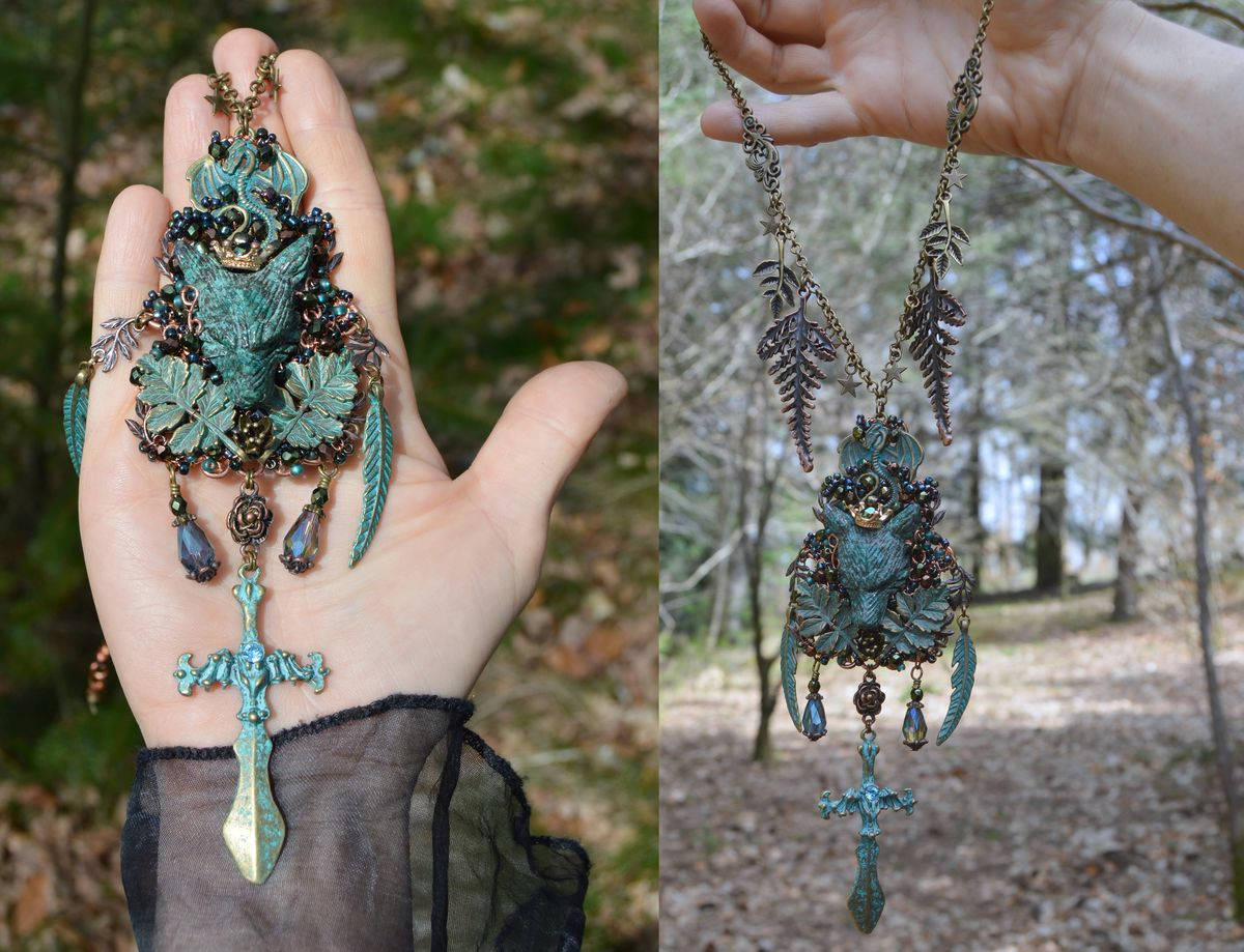 The Dragon and The Wolf - Forest King Crowned Wolf Pendant - Wire ...