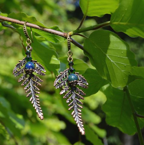 Fern,leaf,earrings,with,Chrysocolla,and,Swarovski,crystals,-,wood,elf,jewelry,green,witch,bracken,leafy_earrings,fern_earrings,fern_leaf_earrings,elf_earrings,botannical_earrings,herb_earrings,green_witch_jewelry,forest_fairy_jewelry,dark_mori_earrings,witchy_earrings,dark_elf_jewelry