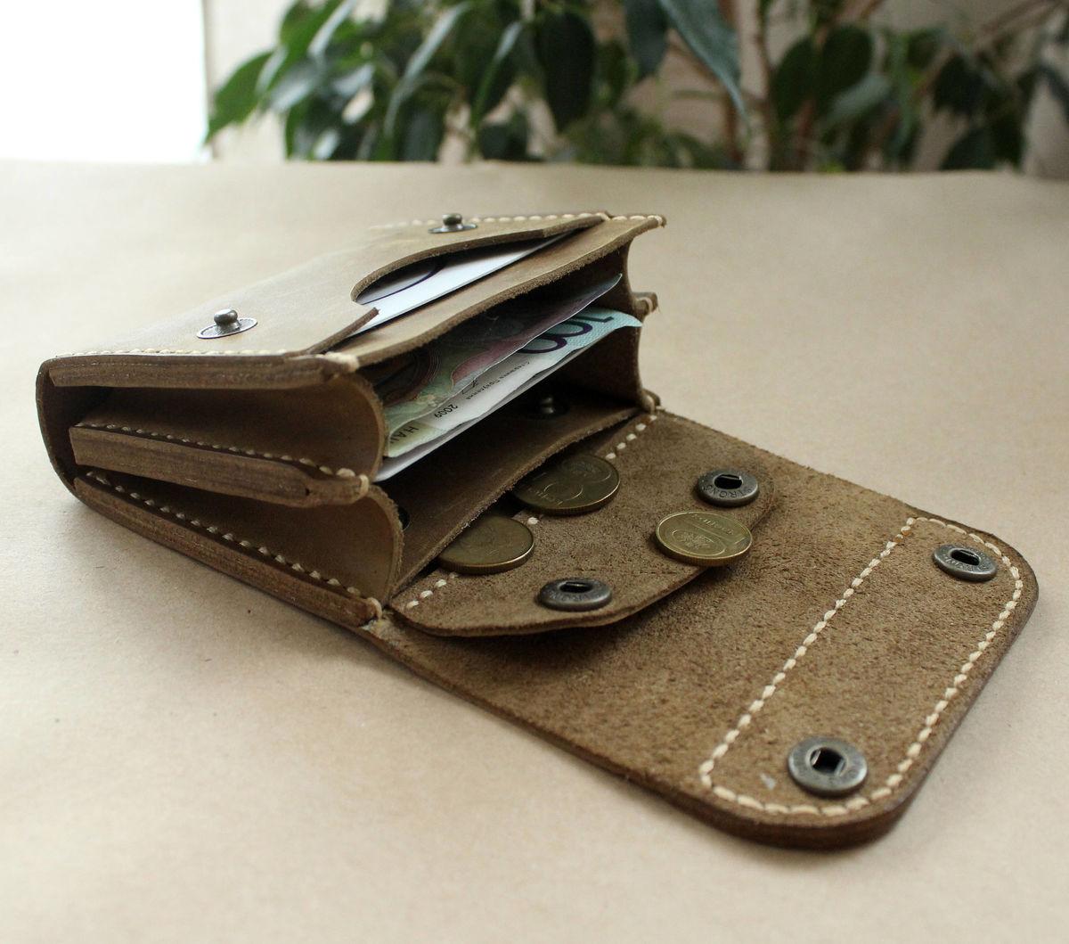 ebcfe9a3c548 Small leather wallet ligth olive - Anger Refuge