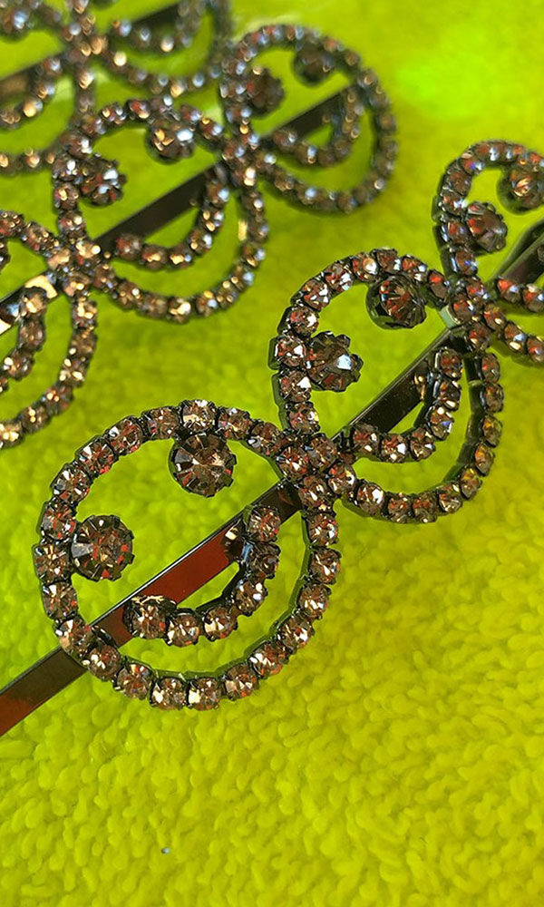 Rhinestone Digi Smiley Face Hair Clip - product images  of