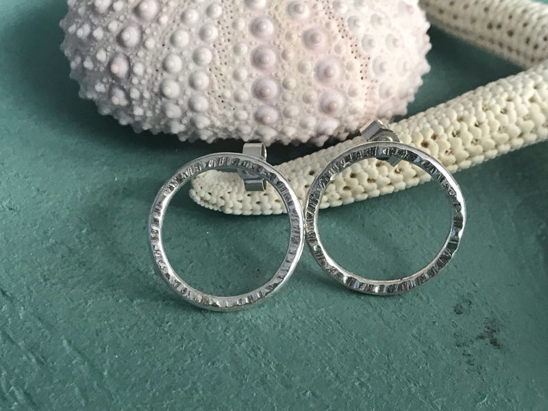 Open circle stud earrings - product images  of