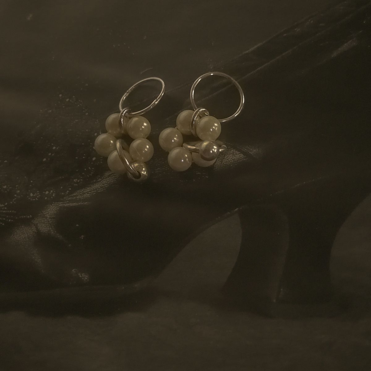 FOREVER DAISY CHAIN HOOP EARRINGS - product images  of