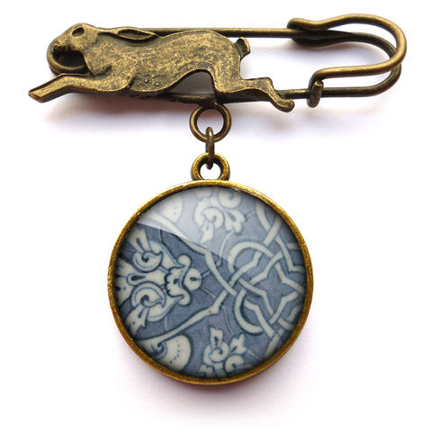 Heraldic,Hare,Pin,Brooch,(BP03),jewellery, jewelry, handmade, brass, brooch, pin, rabbit, hare, vintage, glass, cabochon, broken pottery, heraldic, pattern