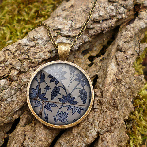 Tiles,Large,Necklace,(BP06),jewellery, jewelry, handmade, brass, necklace, vintage, glass, cabochon, broken pottery, tiles, pattern