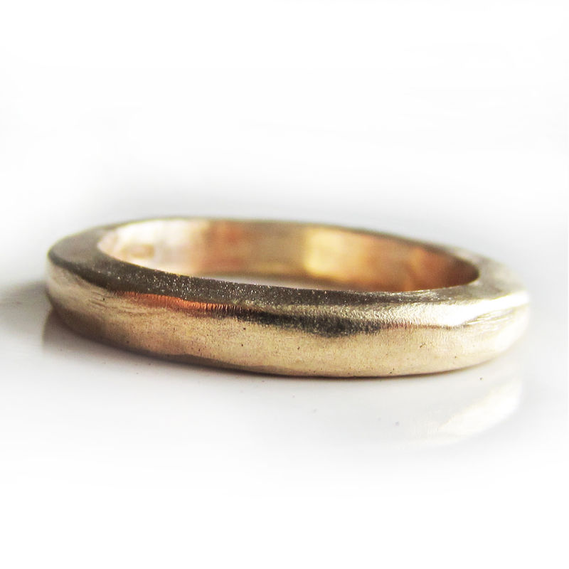 Thick Solid Gold wedding ring in 22 carat yellow gold - product images  of