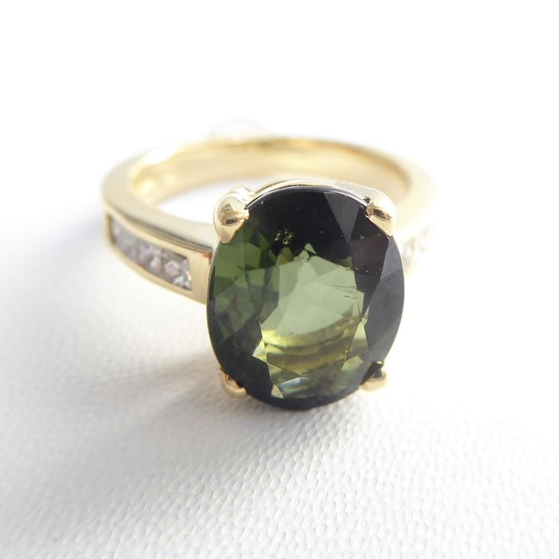Bespoke 18K gold ring with green tourmaline and diamonds - product images  of