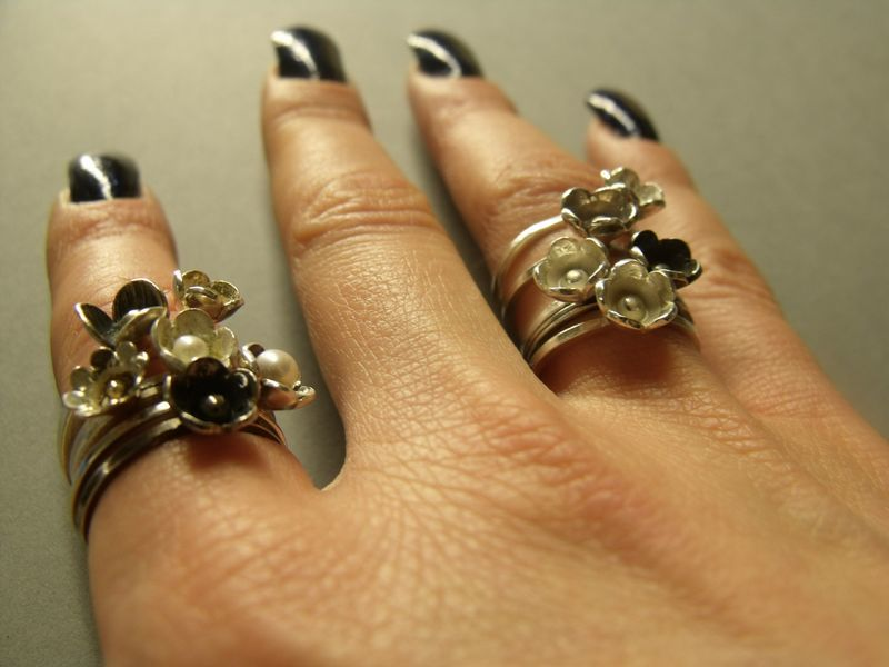 Black Blum Oxidised silver flower stacking Ring - product images  of