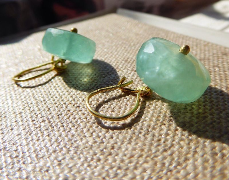 Aqua Green Fluorite Earrings in 18K 18ct yellow gold - product images  of