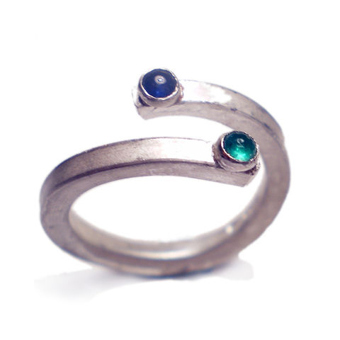 Sapphire,and,Emerald,adjustable,sterling,Silver,ring,emerald Ring,Metalwork,jewellery,birthstone,women,sapphire,europeanstreetteam,teamfrench,uk,green,blue,engagement,wife,silver,925,emerald,gemstones,cabochons,sterling_silver