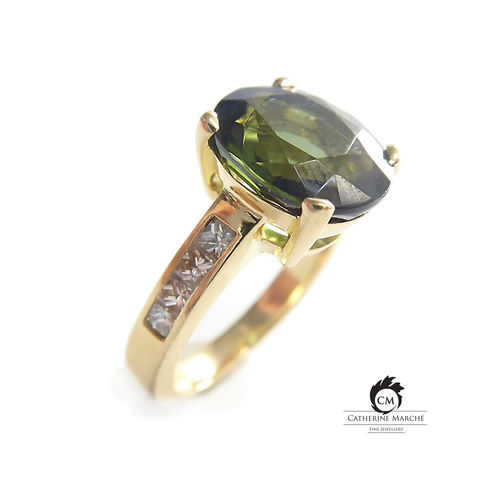 Bespoke,18K,gold,ring,with,green,tourmaline,and,diamonds,gold ring, cocktail ring, green tourmaline ring, bespoke commission, upcycling jewellery, recycled diamonds, recycling gold, conflict free diamonds, ethical jewellery,catherine marche, french style