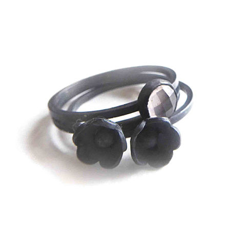 Black,and,Blum,Set,of,3,stacking,rings,bespoke handmade Jewelry,black Rings,oxidised silver jewellery, Sterling silver rings stack,minimalist stackable rings,sterling silver,flower rings, floral jewelry, rings,teenage girls gift