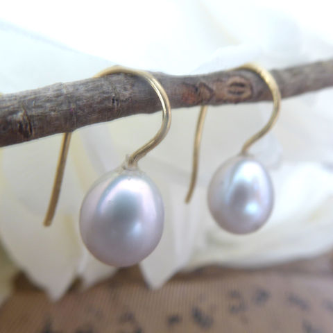 Dove,Grey,Teardrop,Pearls,Earrings,teardrop earrings, recycled gold jewellery, ethical jewellery,gift for her, grey pearls earrings, teardrop pearls, pear pearls, gold earrings, handmade in London, shop local, catherine marche