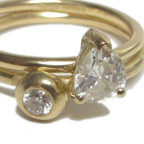Pear,Shape,Engagement,Diamond,Solitaire