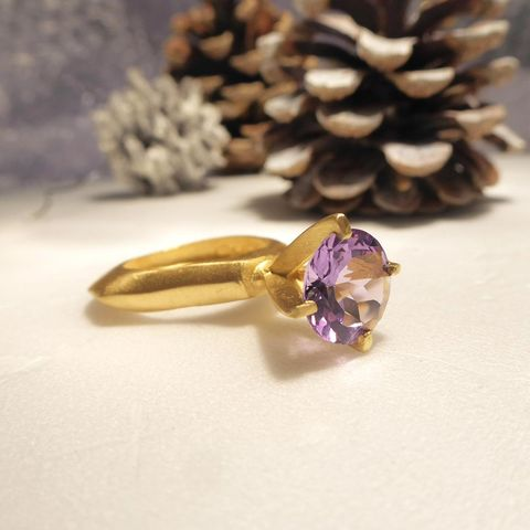 Passionata,Gold,Vermeil,Sculptural,Ring,with,purple,Amethyst,purple amethyst ring, passionata ring, large statement ring,cocktail ring, handmade jewellery,precious jewellery, designer ring, big ring,bespoke designer jewelry, london jeweller, south bank,jedeco, uk handmade, gay times, catherine marche