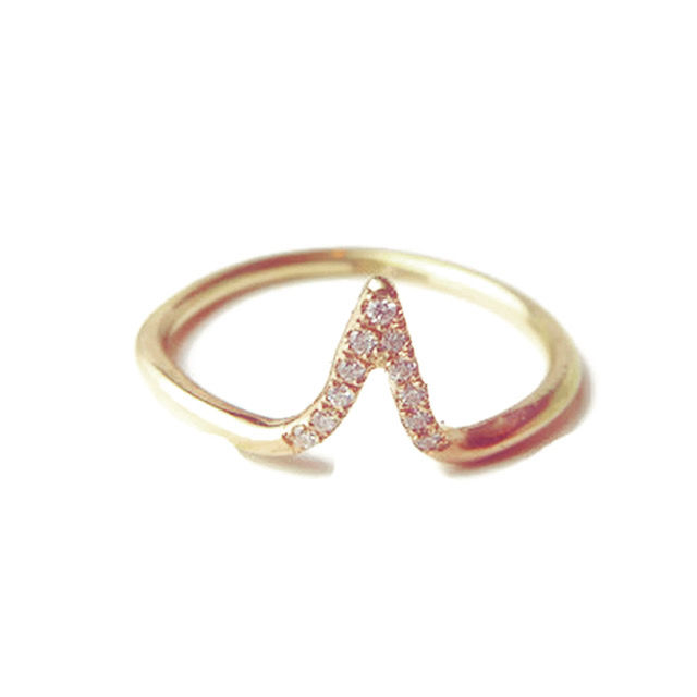 Pointy diamond ring in 18k gold - product images  of