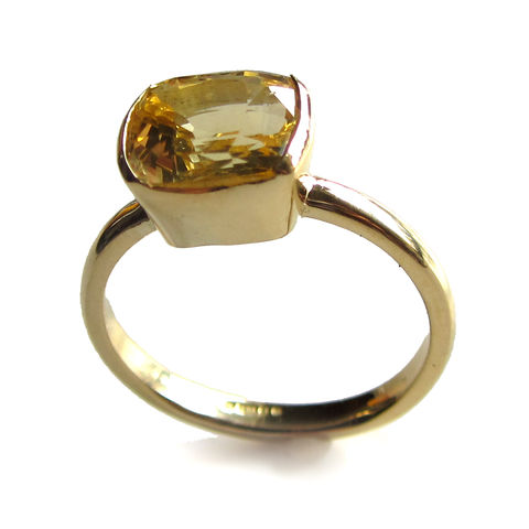 18K,Gold,Yellow,Sapphire,Ring,bespoke jewellery creation, yellow gemstone, sapphire, yellow sapphire