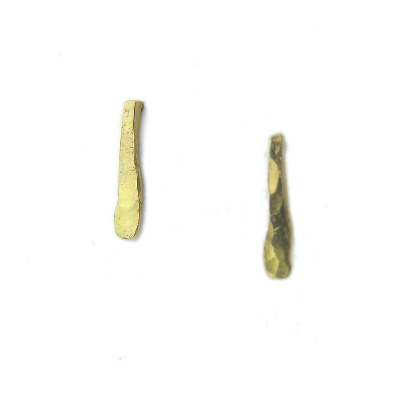 Hammered bar Stud Earrings in 18ct yellow gold - product images  of