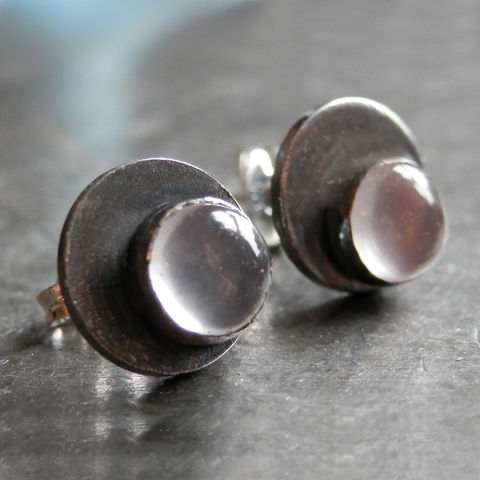 Oxidised,sterling,silver,Dotty,Spot,Earrings,with,Rose,Quartz,grey silver earrings, round ear studs,bespoke earrings, rose quartz jewellery,  birthstone jewellery, gemstone,stud earrings,bespoke Jewelry,silver Earrings,oxidised silver jewellery,round earrings ,circle,cabochon,understated jewellery,catherine marche,s