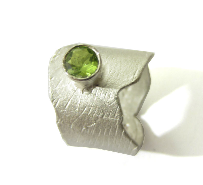 Sculptural Peridot and sterling silver ring - product images  of