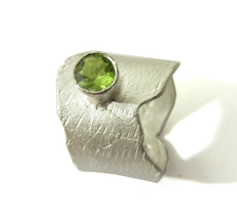 Sculptural,Peridot,and,sterling,silver,ring,cocktail ring, statement ring, precious jewellery, designer ring, big ring,peridot ring,bespoke designer jewelry, london jeweller, south bank,jedeco
