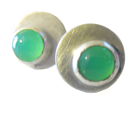 Dotty,Spot,Earrings,sterling,silver,and,green,chrysoprase,cabochon,green earrings, ear studs,bespoke earrings, chrysoprase jewellery, february birthstone, gemstone,stud earrings,bespoke Jewelry,silver Earrings,jewellery,disk,circle,london,french,simple,gemstones,catherine marche