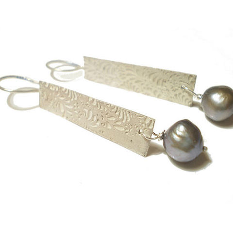 Volutes,Sterling,Silver,and,Pearls,Earrings,long volutes earrings, long earrings, photo etched silver, grey pearls drop earrings