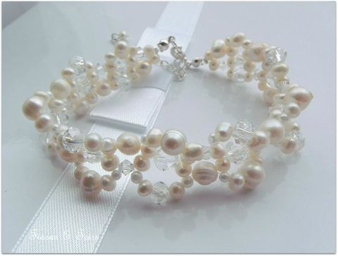 Fresh,water,ivory,pearl,and,swarovski,crystal,wedding,bracelet,Pearl wedding bracelet, wedding bracelet, wedding jewellery, Freshwater pearl bracelet, pearl wedding jewellery, pearl jewellery for brides, pearl bracelet for brides, pearl bracelet for wedding, wedding day jewellery, vintage style pearl bracelet, one of