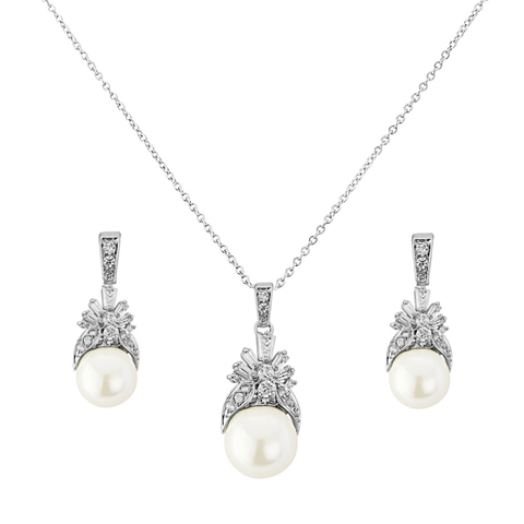 Regal,style,pearl,and,cubic,zirconia,wedding,jewellery,set,regal wedding jewellery set, pearl and cubic zirconia wedding jewellery set, wedding jewellery set pearls, bridal jewellery regal, wedding jewellery uk, wedding pearl pendent, bridal jewellery set