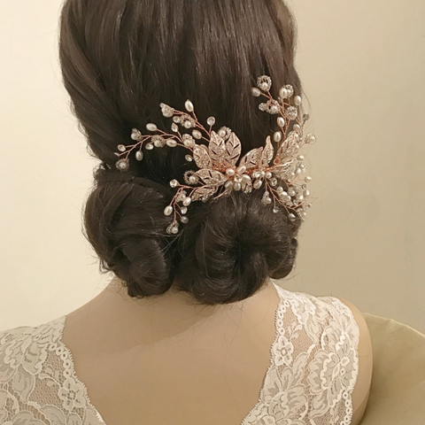 Rose,gold,,pearl,and,diamante,wedding,hair,comb,rose gold wedding hair comb, rose gold leaf style wedding hair comb, wedding hair combs rose gold, vinatge wedding hair accessories, statement bridal hair accessories, rose gold bridal hair accessories, hair accessories rose gold, rose gold wedding hair c