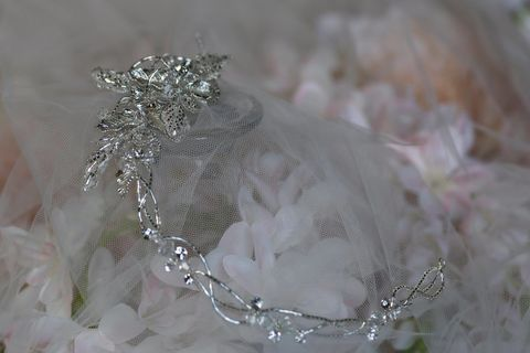 Diamante,floral,wedding,hair,vine,Diamante floral wedding hair vine, wedding hair vine, bridal hair vine, hair vines for brides, wedding hair accessories for brides, bridal hair piece, hair vines uk, silver wedding hair accessories, diamante hair vine, floral hair vine, wedding hair acces