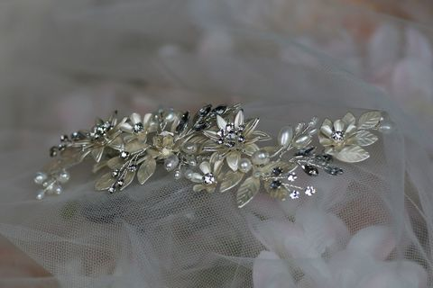 Pearl,floral,wedding,hair,clip,Pearl floral wedding hair clip, wedding hair clip, wedding hair accessories, hair clips for brides, hair piece for weddings, uk bridal hair clips, bridal hair accessories, pearl wedding hair comb, wedding hair comb, hair clip, Warren Yo