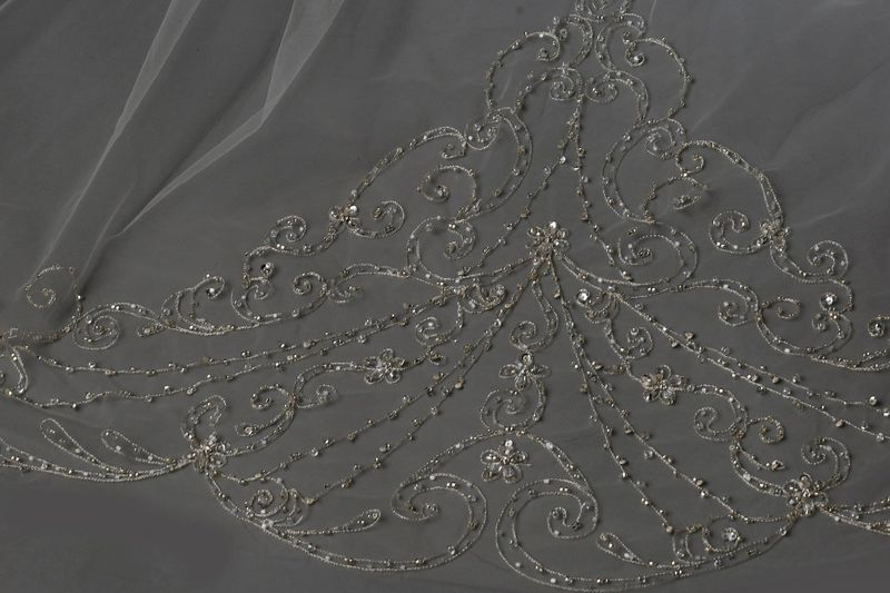 Single layered floral scroll embroidered edge wedding veil - product images  of