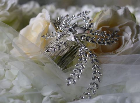 Single,flower,silver,and,diamante,wedding,hair,comb,Single flower silver and diamante wedding hair comb, diamante wedding hair comb, diamante wedding hair accessories, wedding hair accessoires, crystal wedding hair accessories,