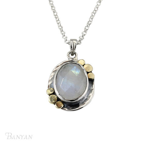 Moonstone,pendent,and,sterling,silver,chain,wedding,necklace,Moonstone pendent and sterling silver chain wedding necklace, gemstone wedding necklace, bridal jewellery alternative bridal jewellery, wedding jewellery, moonstone wedding necklace, moonstone wedding jewellery,sterling silver wedding jewellery