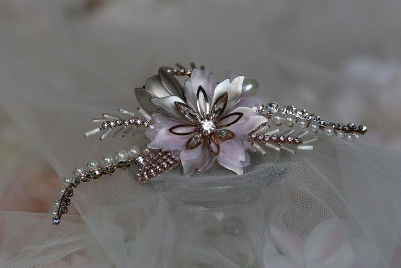Vintage floral rose gold wedding hair piece - product images  of