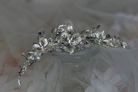 Silver,and,Diamante,Floral,Wedding,Hair,Comb,Silver and diamante floral wedding hair comb, floral wedding hair comb, floral hair comb for brides, silver wedding hair comb for brides, long wedding hair comb, silver and diamante bridal hair comb, wedding hair accessories for brides, Silver bridal hair