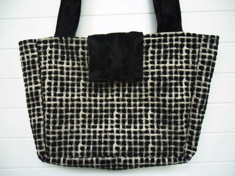 Black,and,White,Checkered,Chenille,boho_bag