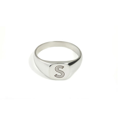 FACETT,CUSHION,SIGNET,RING,-,SILVER,/,PERSONALISED