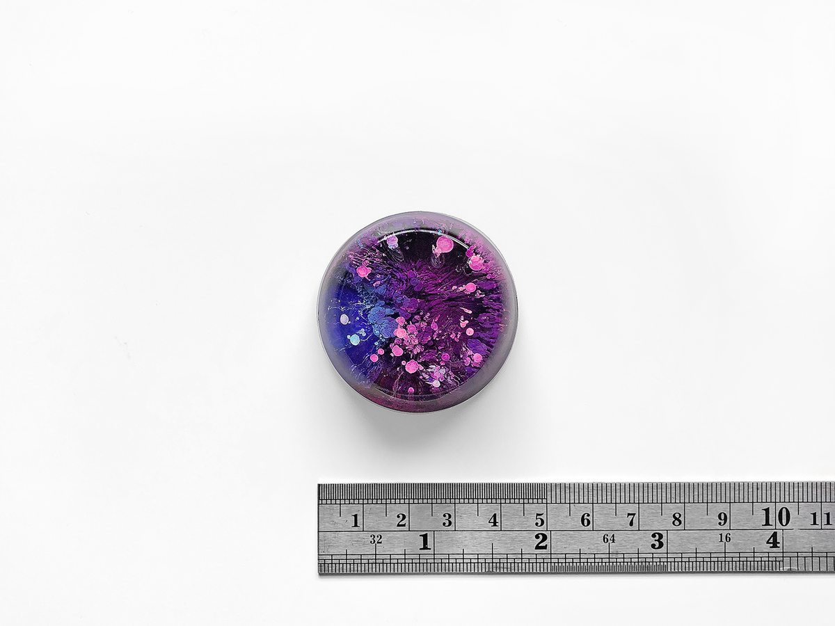 Resin Petri Magnet: EVE - product images  of