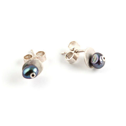Little,Pearl,and,Silver,Stud,Earrings,-,Peacock,Jewelry,Post,black_pearl,purple,dark_pearl,disc,iridescent,oily,inky,bride,bridal,black_tie,formal,tiny,free_shipping,stirling,sterling,925,silver,freshwater,pearl,rivet,freshwater pearl,farmed pearl