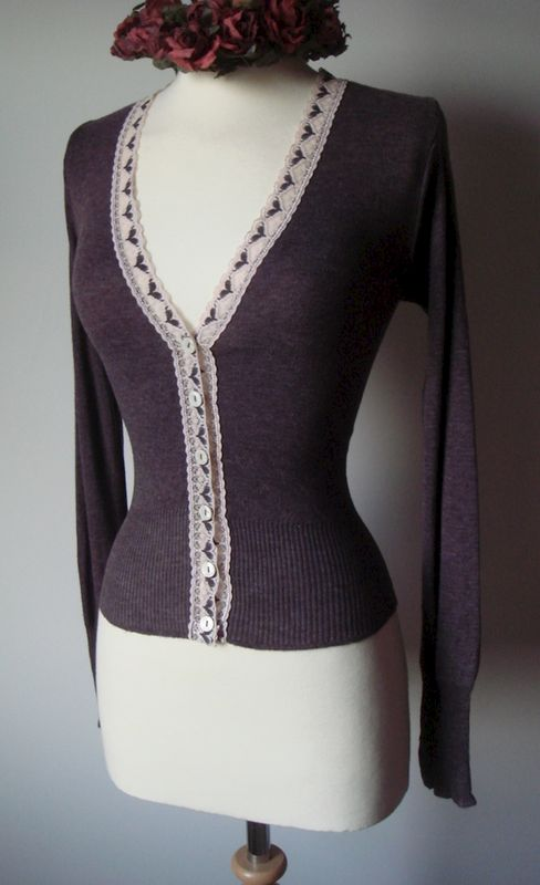 NOW 60% OFF!! Our Classic Heart Lace Short Style V Cardigan - product image