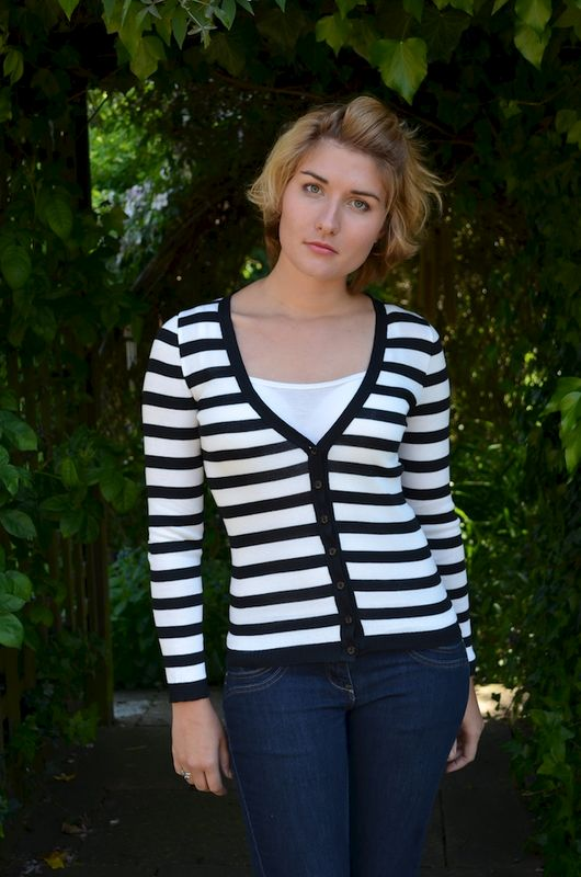 Now 50% Off Black Wide Stripe V Neck Cardigan - product image
