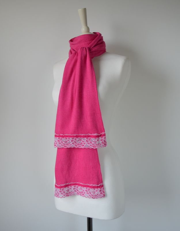 NOW 40% Off !! Our Exclusive Wide Lace & Ribbon Trim Scarf - product image