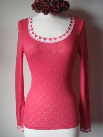 Heart,Lace,Scoop,Neck,Long,Sleeve,Top,Classic, Long Sleeve Top, Lace Top, Lace Trim Top, Heart Lace