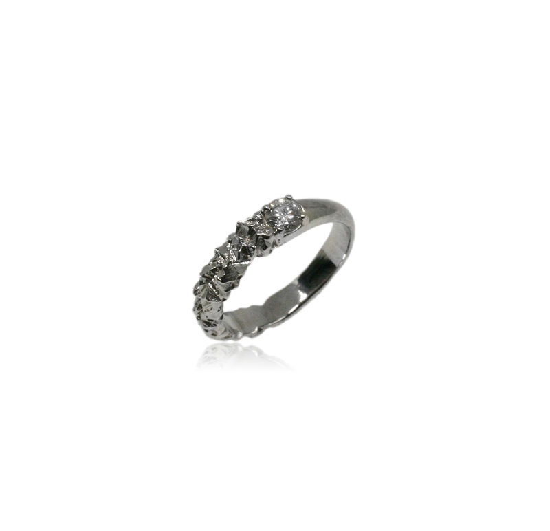 Rocky Ring in 18k white gold with 0,25 carat white diamond - product images  of